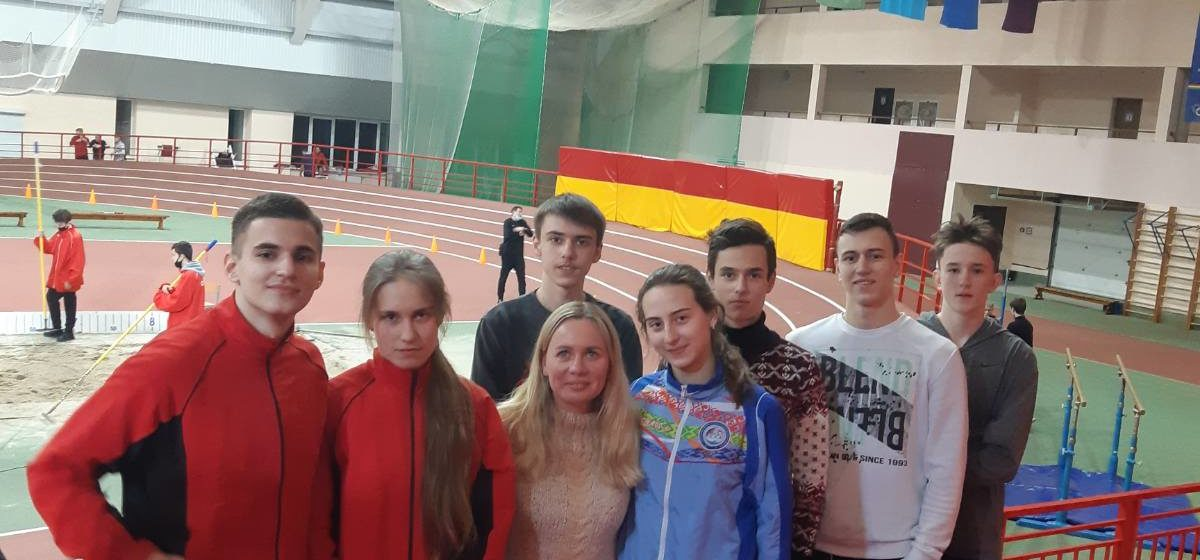 Какое место заняла команда Барановичской СДЮШОР №2 на областном турнире?