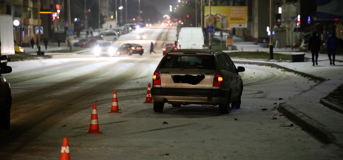 Автомобиль сбил девушку в Барановичах