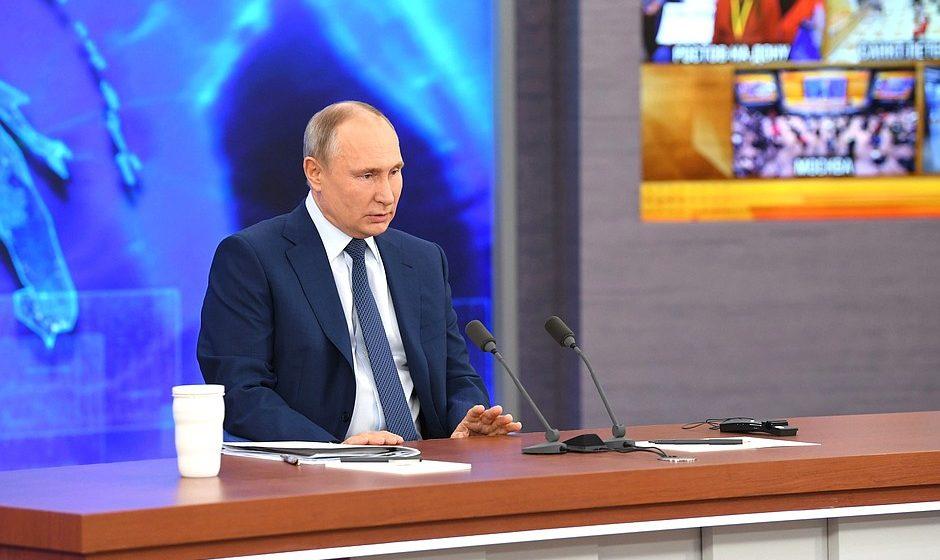 Владимир Путин прокомментировал ситуацию с отравлением Навального: «Кому он нужен-то? Если бы хотели, довели бы до конца»