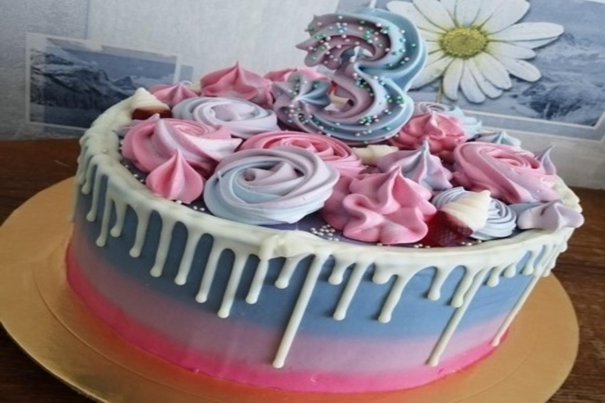 Первый торт Марии на заказ. Фото: архив Марии БОЛТУТЬ