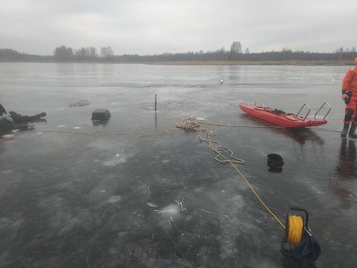 Рыбак провалился под лед и утонул в Браславском районе