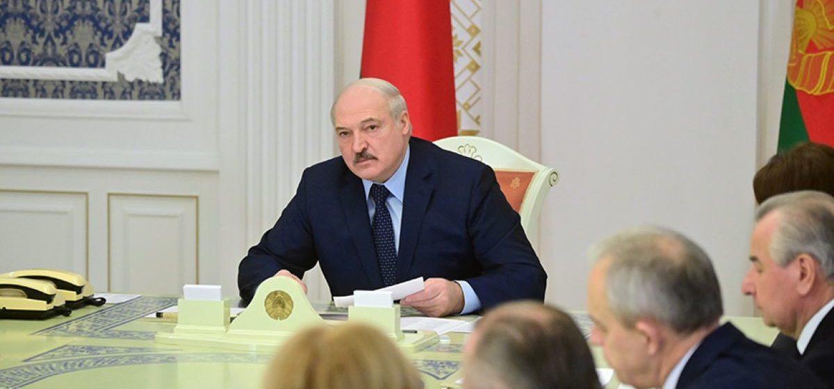 Лукашенко заявил, что группы боевиков в Беларуси «пытались взорвать дома и улицы». Ранее в этом обвиняли вагнеровцев