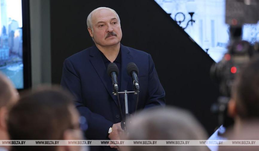 Лукашенко: «Если вам не нравится нынешний президент, то только выборы могут решить этот вопрос. Только выборы»