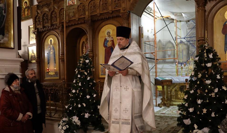 Православные верующие отмечают Рождество Христово в Барановичах