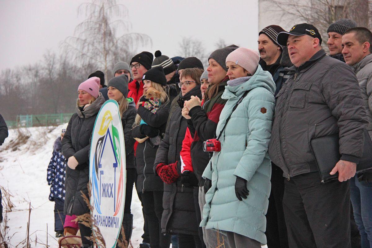 Каждую команду активно поддерживали зрители. Фото: Никита ПЕТРОВСКИЙ