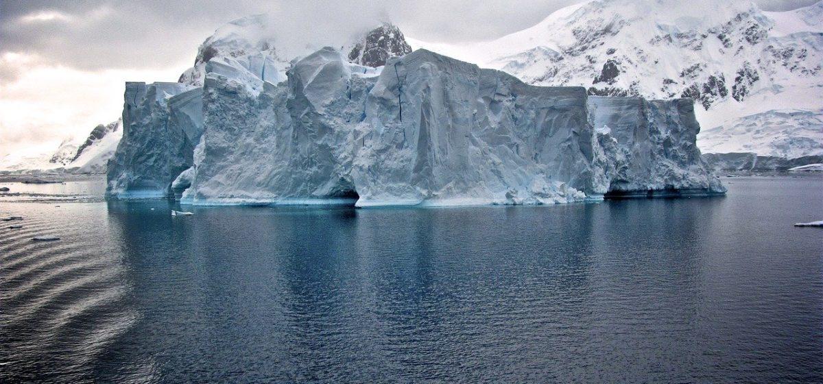 Аналитик: «Ситуация такая — Титаник еще плывет, но айсберг уже откололся»