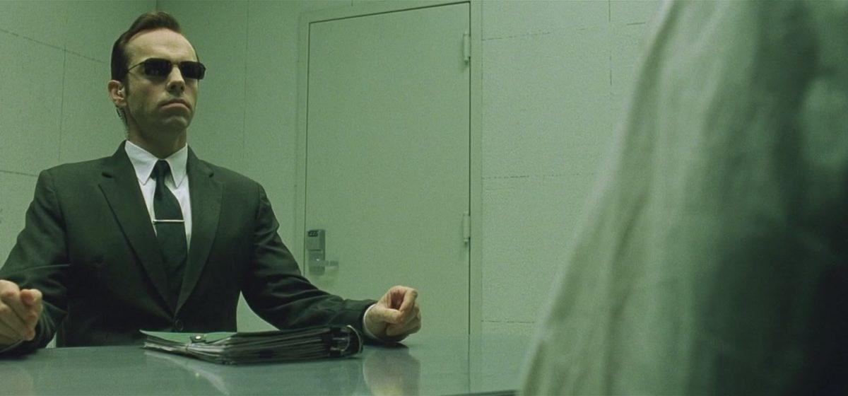 «Это касается всех». Адвокат дал восемь советов, как вести себя на допросе, когда требуют пароли и пугают уголовкой