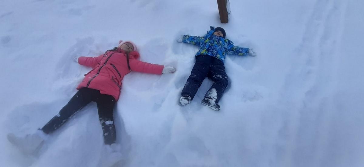 Барановичи завалило снегом. Подборка фото горожан