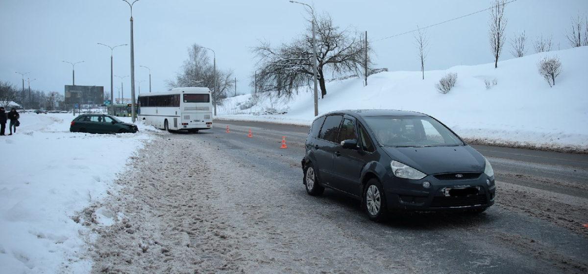 Автобус и два автомобиля столкнулись в Барановичах
