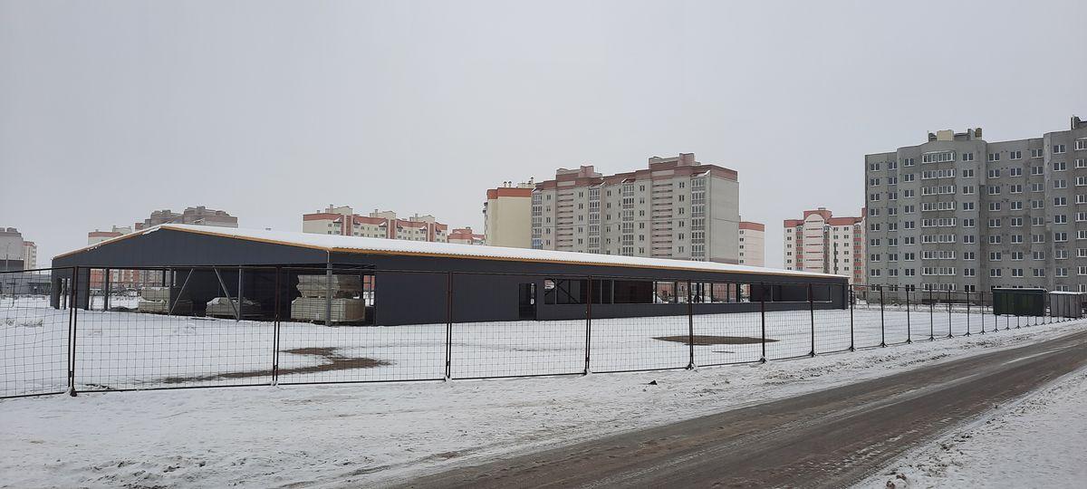 Строящийся физкультурно-оздоровительный комплекс в Боровках. Фото: Елена ЗЕЛЕНКО