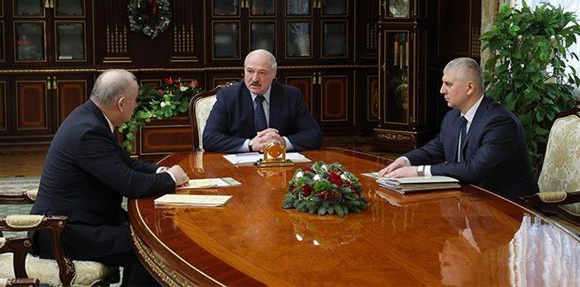 На старые грабли. Лукашенко поручил главе Нацбанка найти деньги на спасение предприятий