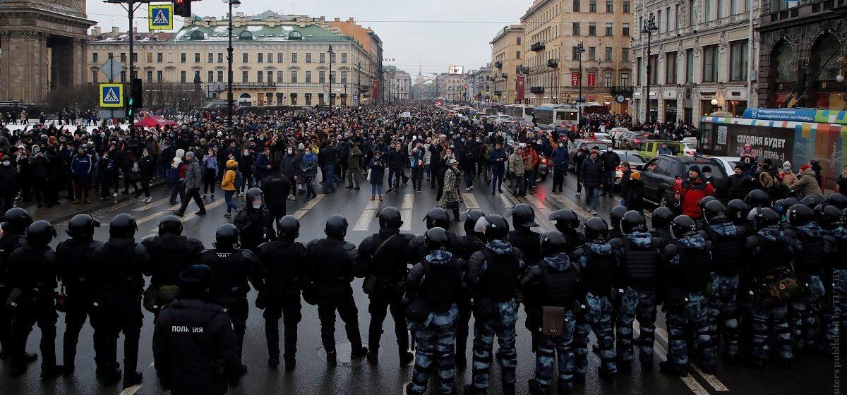Акции протеста, столкновения с силовиками и задержания в России: все за 23 января