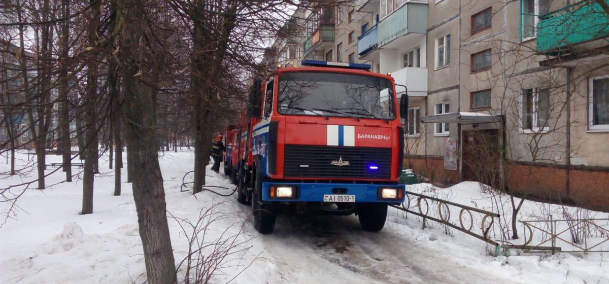 В Барановичах, пока бабушки не было дома, у внуков дома произошел пожар