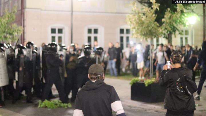 «Пинские судьи не хотят вести процесс». Фигурантов «Пинского дела» перевели из барановичского СИЗО в Брест