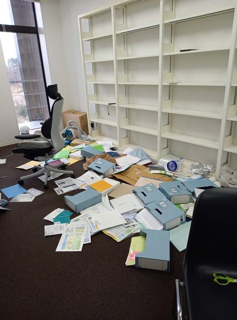Последствия землетрясения в университете, где учатся знакомые Алины Севец. Фото: Алина СЕВЕЦ