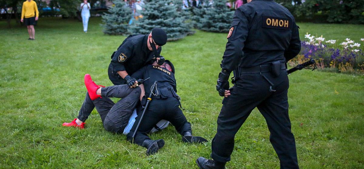 «В других странах ОМОН бьет еще больше, чем у нас». Фрагмент урока в одной из гимназий Минска