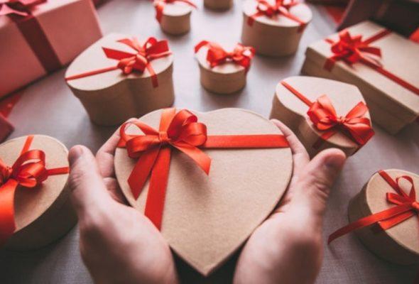 Подарок ко Дню всех влюбленных: что выбрать своей второй половинке?