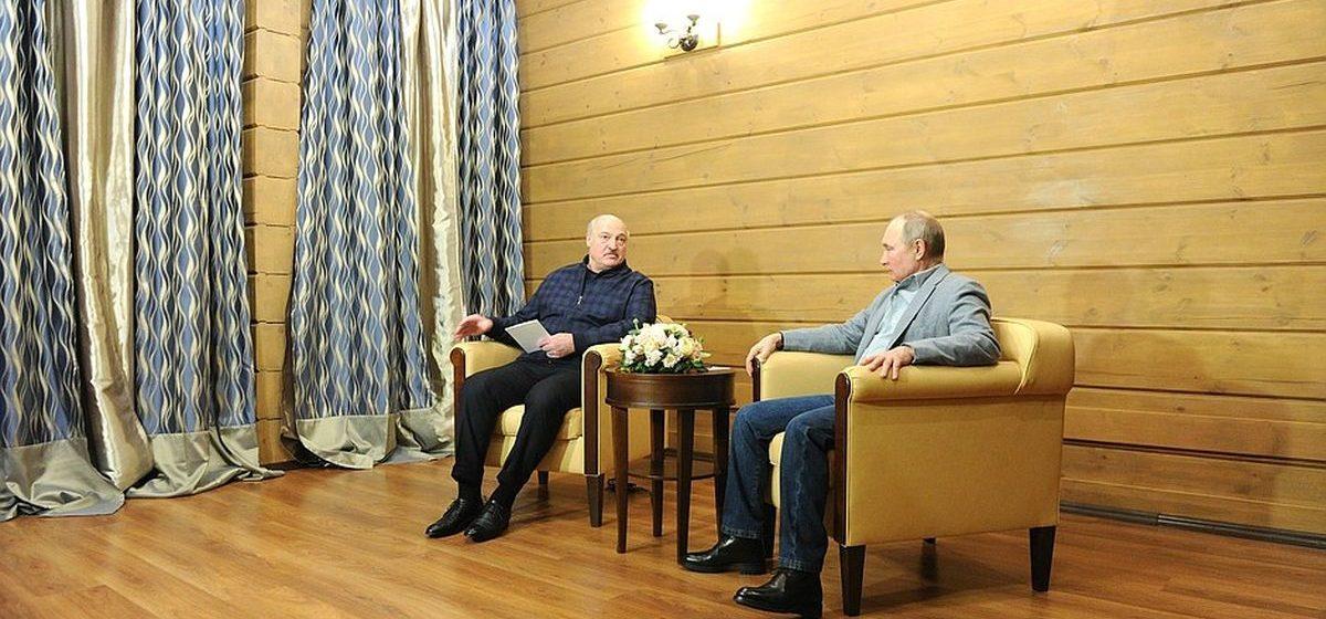 «Коммерсантъ»: «От встреч Путина и Лукашенко всегда чего-то ждут – а зря»
