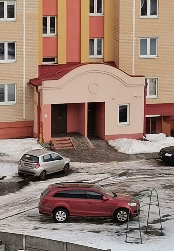 Двор дома №19/1 на ул. Багрима. Фото: читатель Intex-press