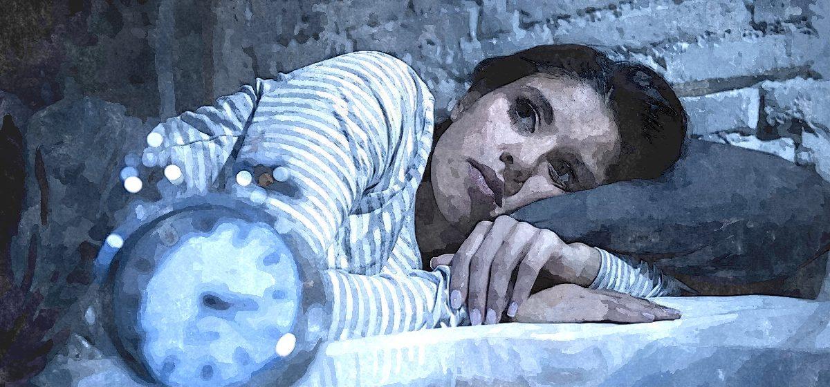 Может привести к депрессии и гипертонии. Психотерапевт – об опасных последствиях бессонницы, кто ею чаще страдает и как спать, чтобы высыпаться