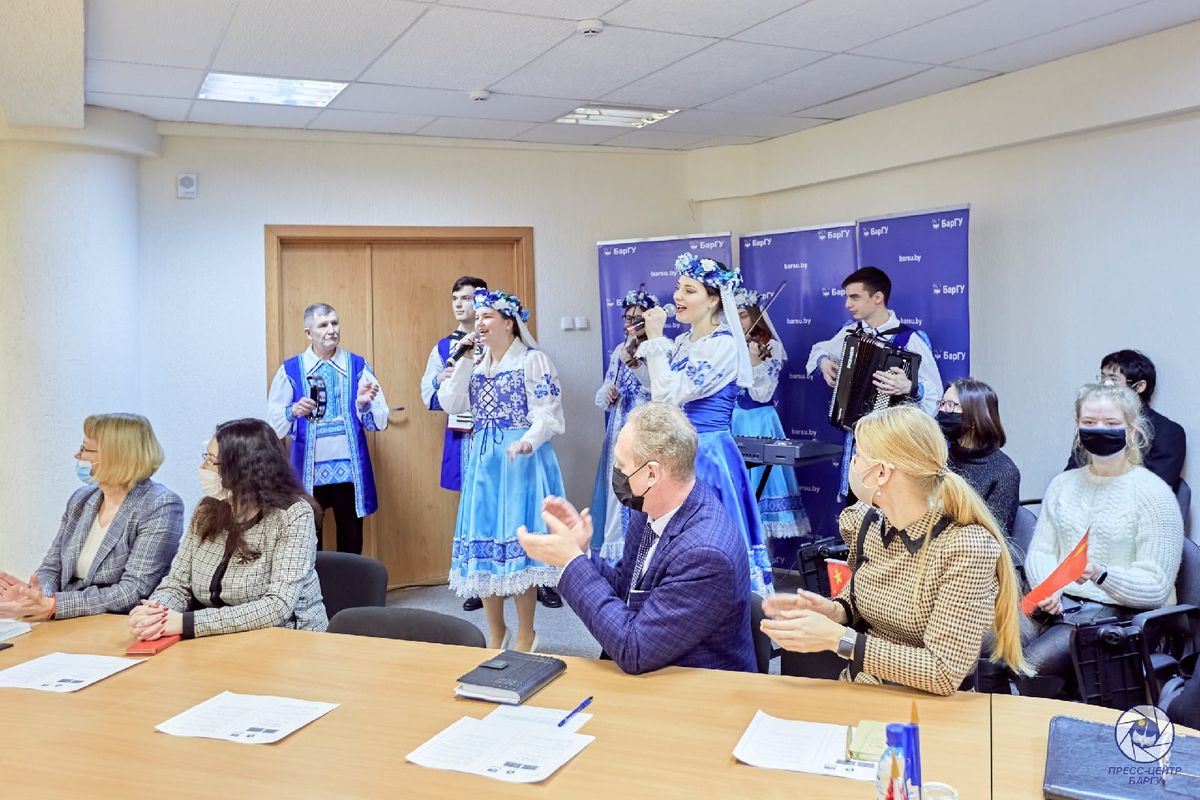Фото: пресс-центр БарГУ