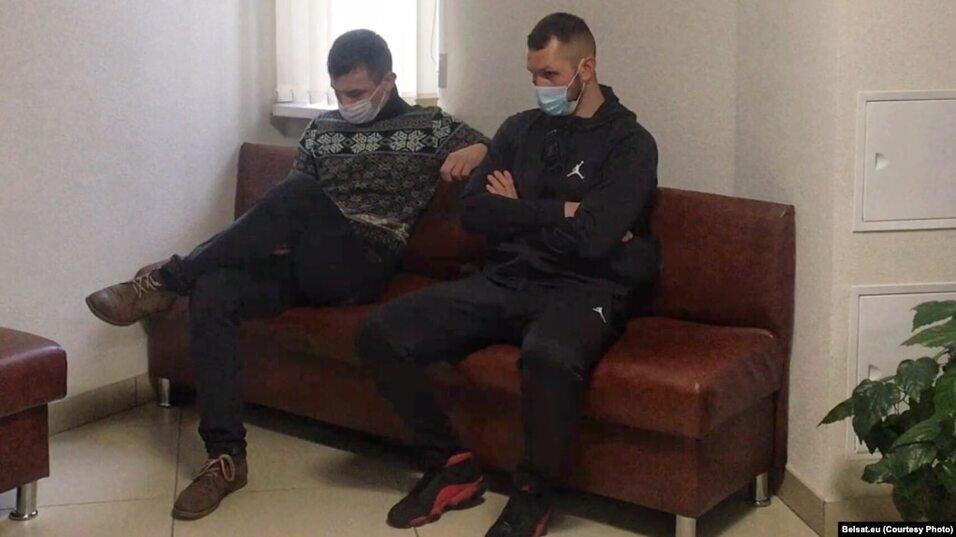 «Поступают угрозы на мобильник». Военнослужащие в суде по «делу Шутова» в Бресте требуют сделать процесс закрытым