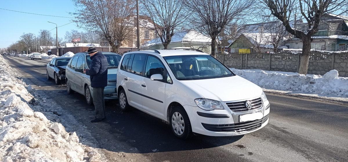 Три машины столкнулись в Барановичах