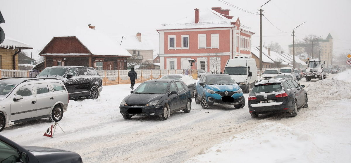 Renault догнал Ford. ДТП в Барановичах