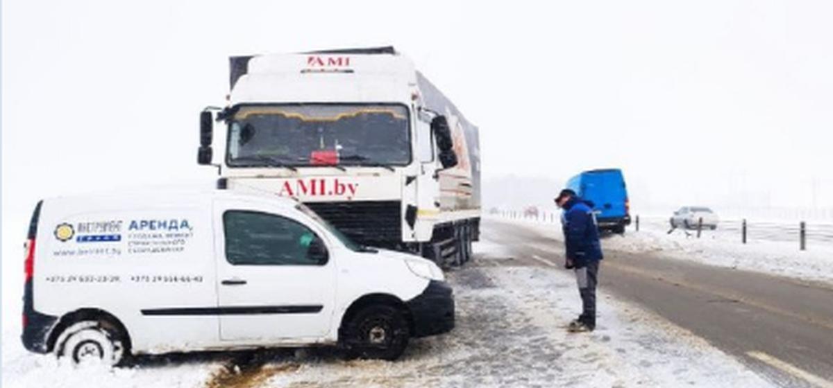 Житель Барановичей на фуре врезался в микроавтобус в Бобруйском районе