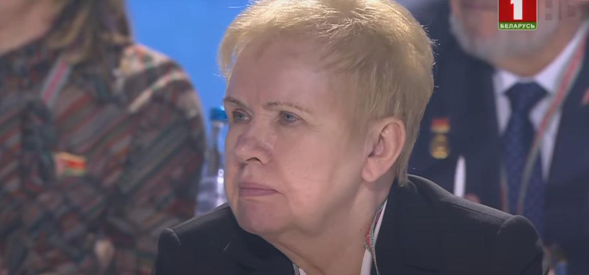 Лукашенко об официальных результатах выборов: Кто-то там полпроцента-процент-два мог дописать. Но слушайте, ну нельзя нарисовать 80%