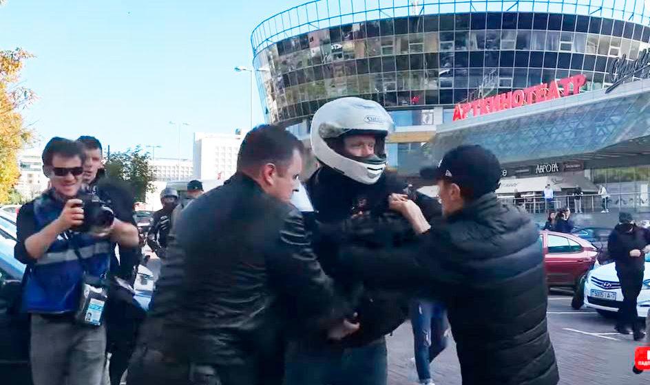 Вынесли приговор трем минским байкерам, которые отбили знакомого от силовиков