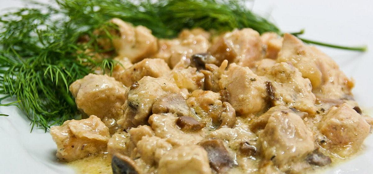 Вкусно и просто. Курица в сливках в духовке с грибами