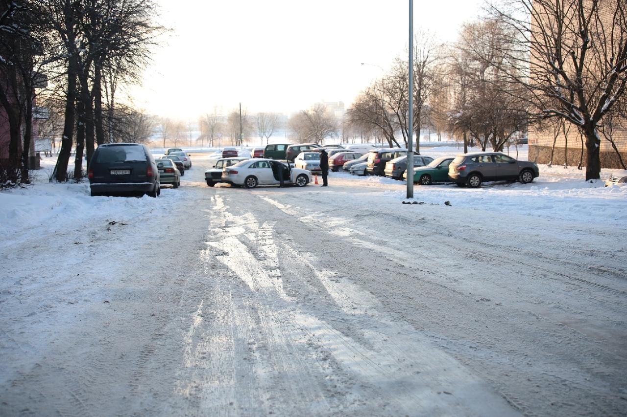 ДТП на улице Жукова. Фото: Александр КОРОБ