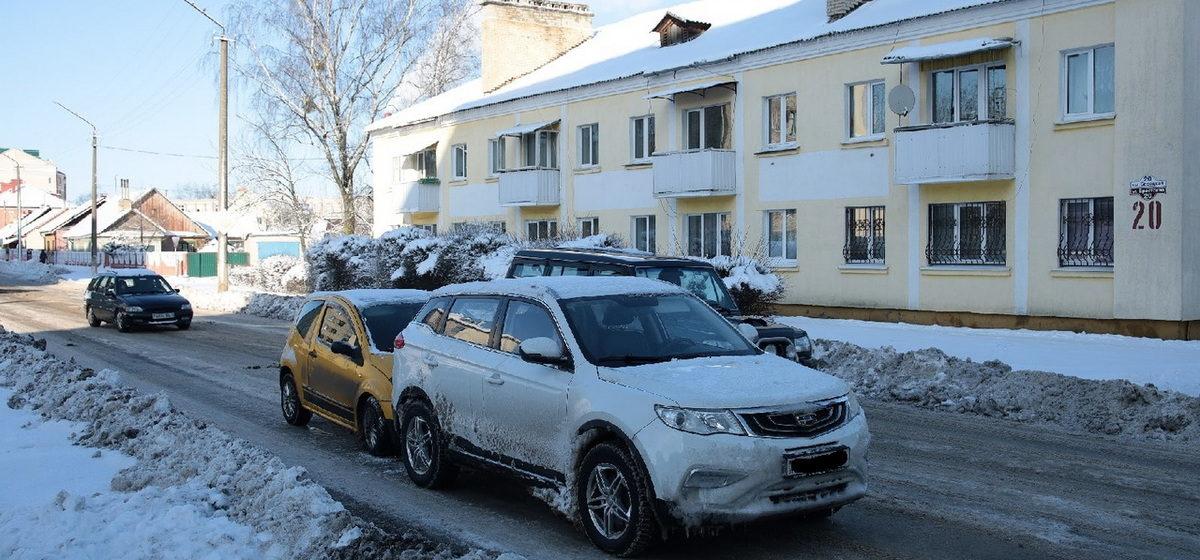 Четыре автомобиля повреждены в двух ДТП на одной улице в Барановичах