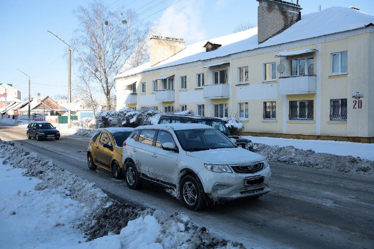 Авария возле кафе «Линия вкуса». Фото: Александр КОРОБ