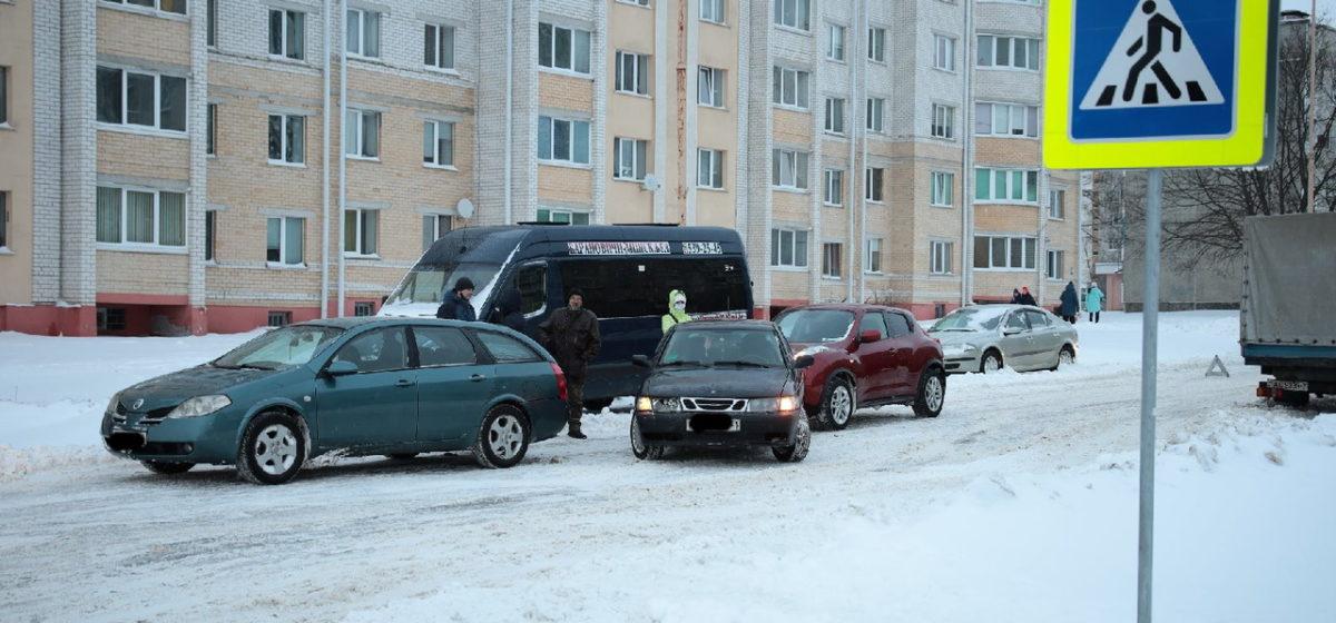 Два Nissan и Saab столкнулись в Барановичах
