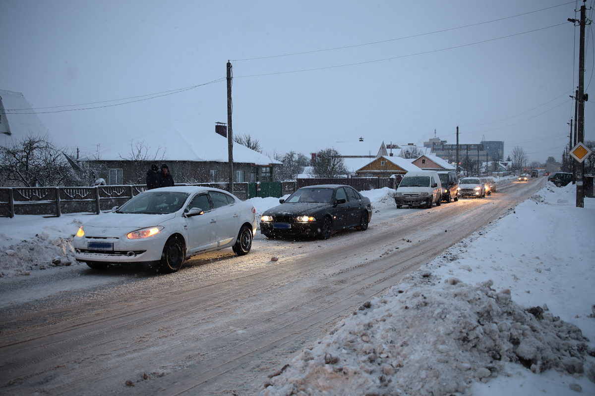 Аварии на улице Шевченко. Фото: Александр КОРОБ