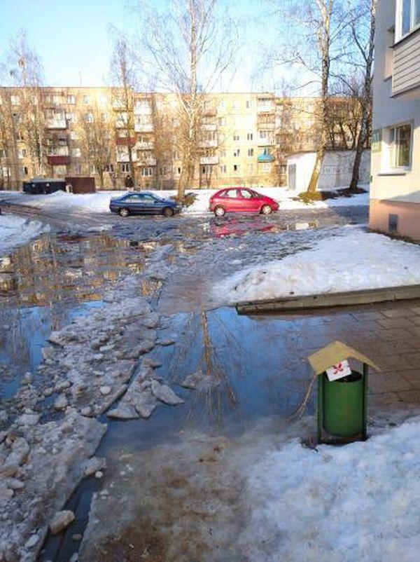 Один из дворов по ул. Фабричной в Барановичах. Фото читателя