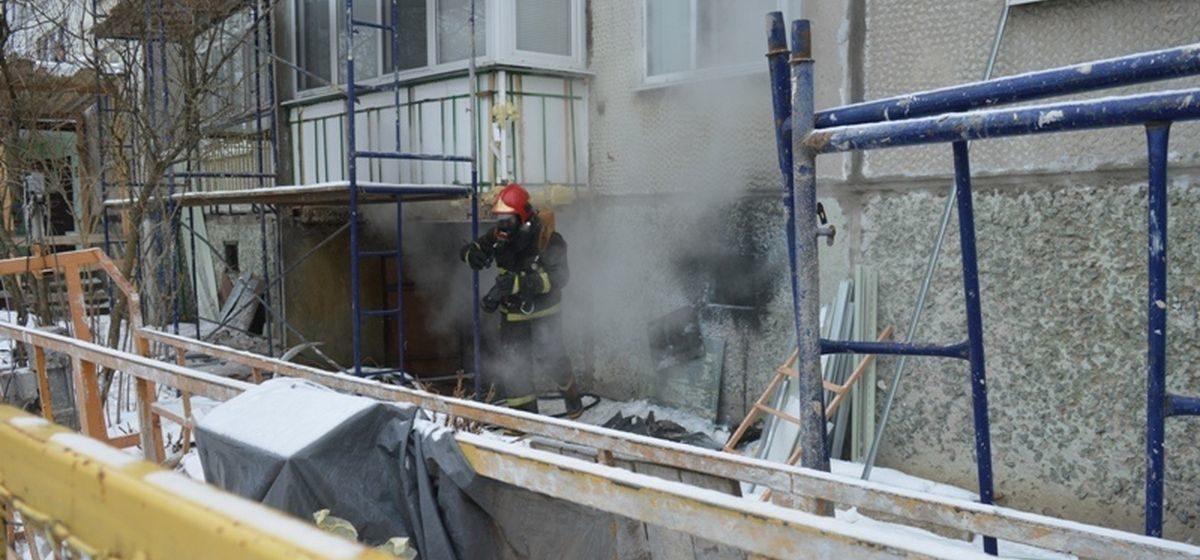 Пожар в подвале девятиэтажного дома в Барановичах. Фото
