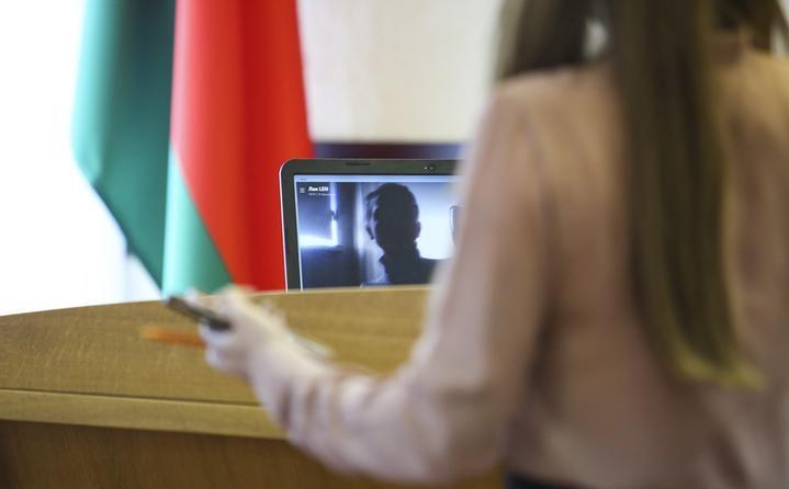 «Открыла дверь, услышала, что кто-то бежит». Судят журналиста Надю Калинину, задержанную на съезде делегатов ВНС
