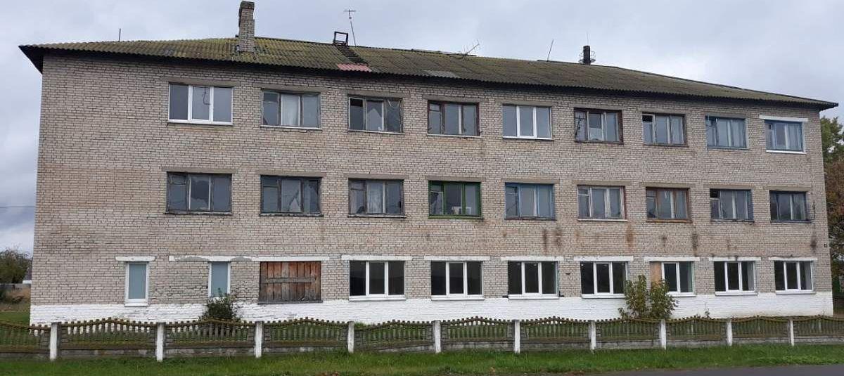 Здание бывшего общежития в Барановичах выставят на торги