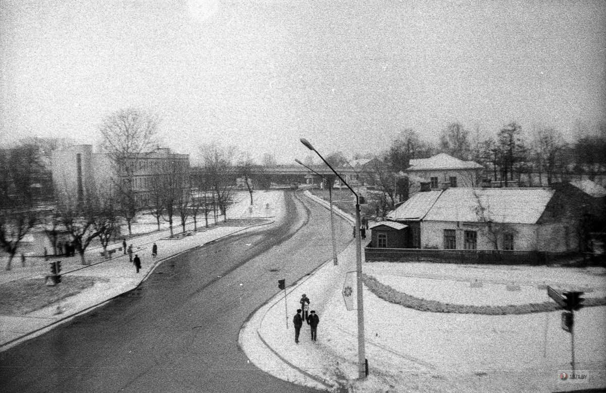 1985 год. Перекресток улиц Фроленкова и Суворова. Фото: сайт 1871.by