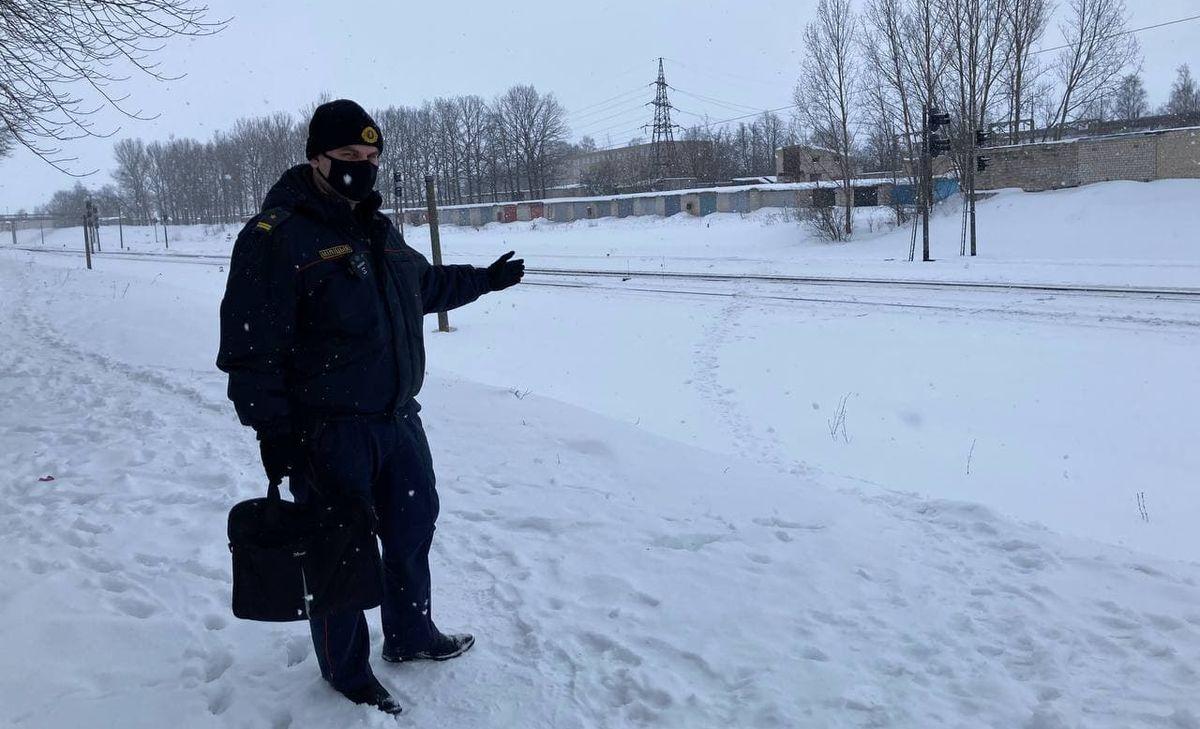 Тропы через ж/д пути возле станции «Барановичи-Северные». Фото: Ирина КОМИК
