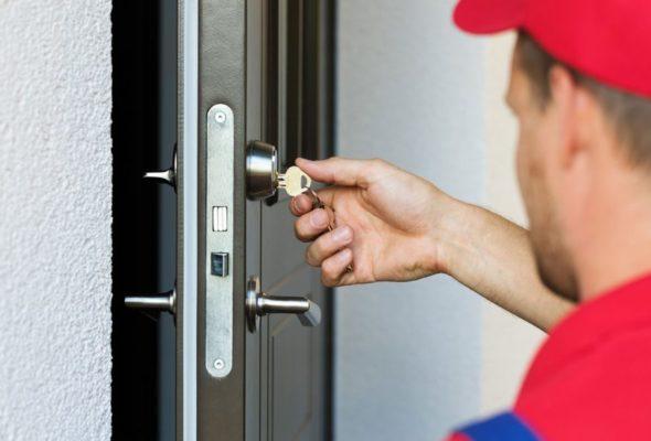 Вскрытие входной двери: способы