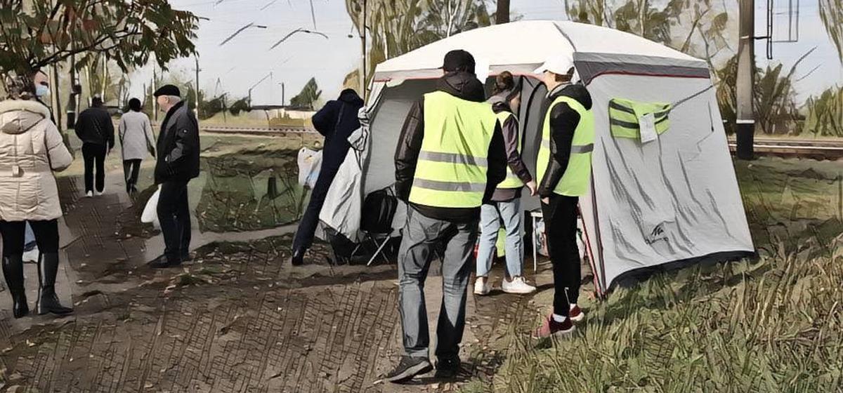 «Совершенно незнакомых людей объединила одна беда». Барановичский участник протестов и волонтер – о поддержке и помощи