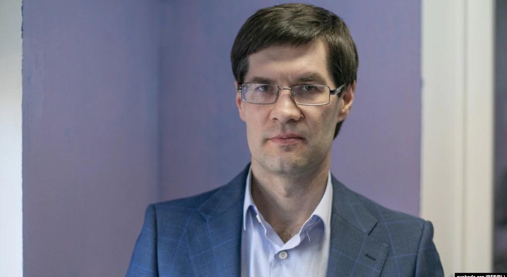 Известный адвокат Сергей Зикрацкий уехал в Вильнюс