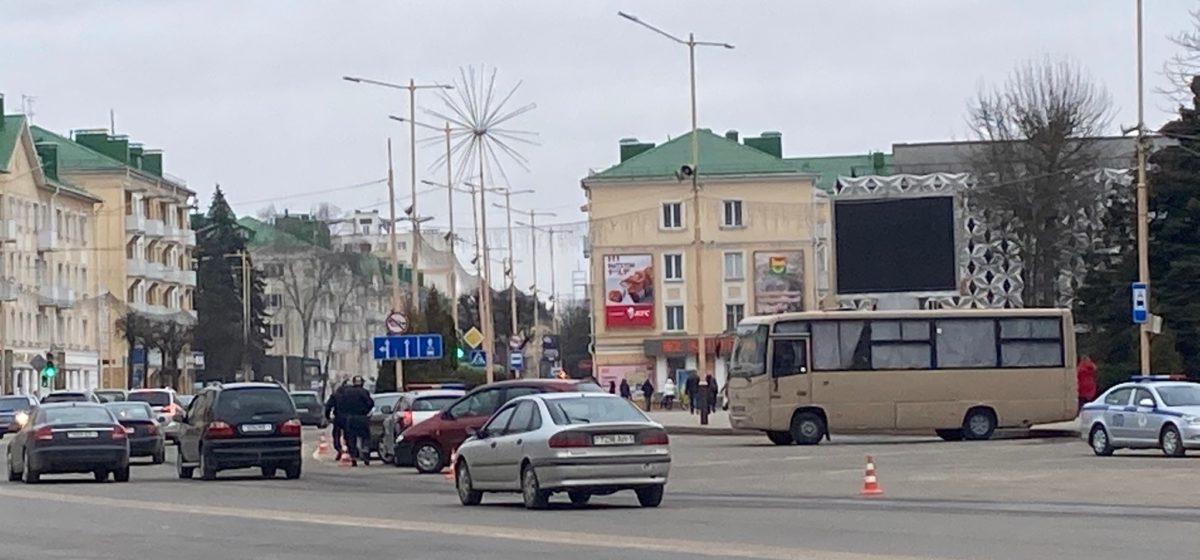 Что происходит в центре Барановичей 25 марта