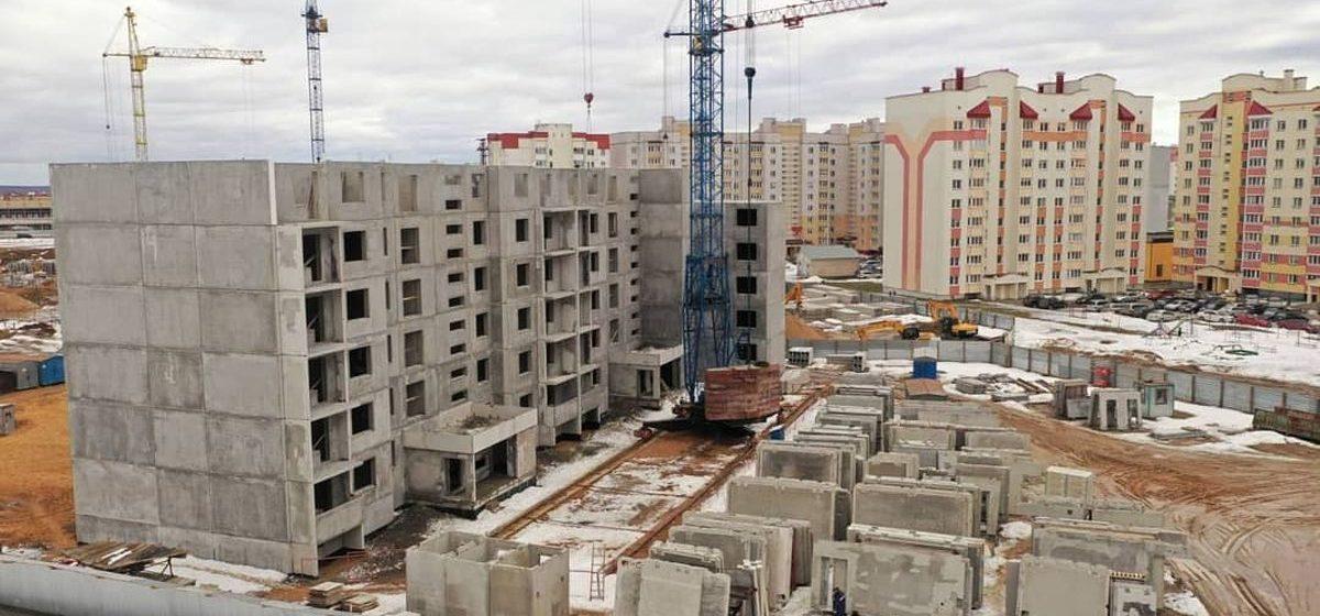 Сокращение работников и резкий рост жилищного строительства. Что произошло в экономике Барановичей в январе