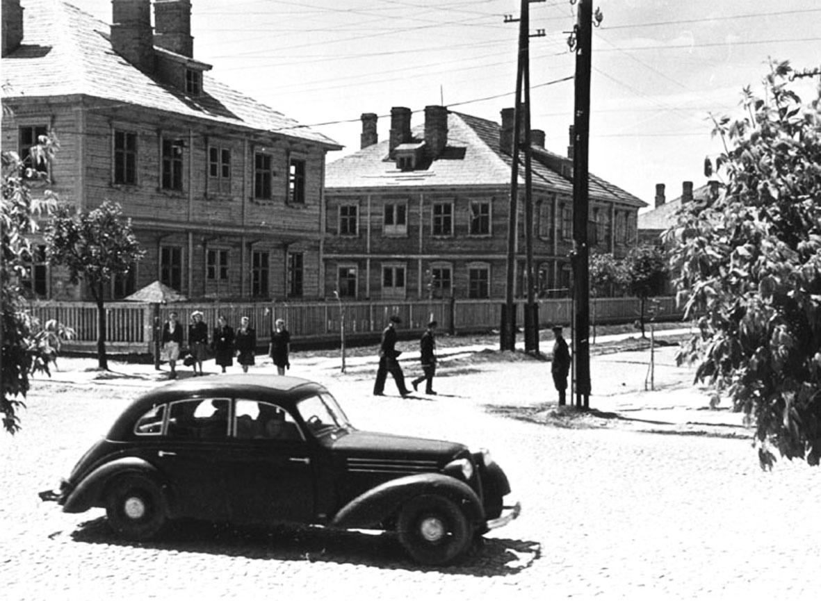 1947 год. Дома на улице Мицкевича. Фото из коллекции Руслана РЕВЯКО