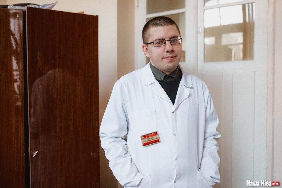 Мікіта Салавей, дацэнт кафедры інфекцыйных хвароб Медуніверсітэта. Фота: Наша Ніва